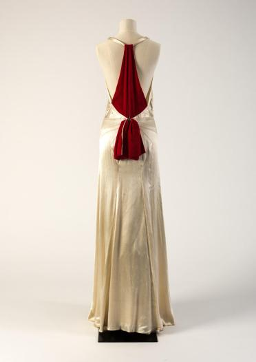 HFx100 ID 68 1930s Fashion Museum Bath back view